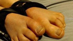 Dreena Rogue Moaning And Cumming With Feet Tied
