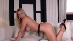 Curvy Ass-Hole & Arousing Feet Of Nikky Dream Make Foot Fetishists Get Off Instantly