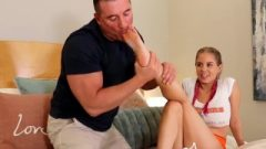 Honey Anabelle Pync Flashes Off Stunning Footjob On FuckedFeet