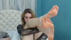 Angelic Chick Sucking Dick Her Provocative Feet (self Toes Adulation