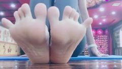Limber Toes
