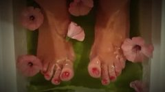 Foot Fetish – Wrinkly Soles And Provoking Long Toes – Red Pedicure – Feet Queen