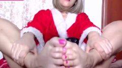 Santa's Helper Pov Footjob & Cum Shot クリスマス 無修正コスプレ 足コキ パンティー 足にザーメン 無修正コスプレ