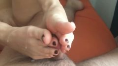 She Gave Me An Early Morning Footjob. Hasty Spunk On Feet