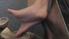 Candid Nubile Shoeplay, Provoking Toe Curling And Wiggling