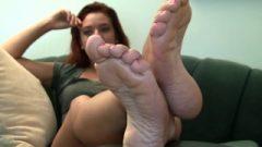 Alexis Candid Stinky Feet